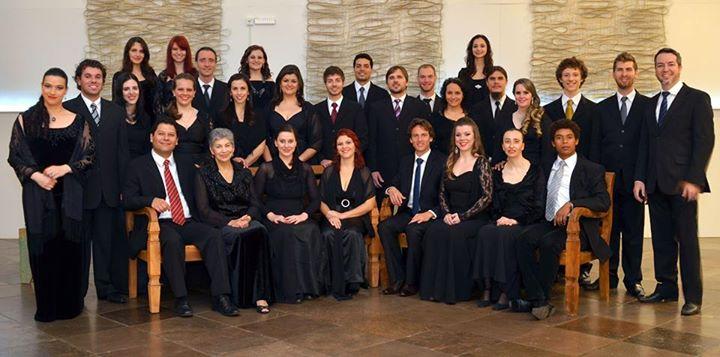 Coro, instrumento de educação musical: Maestro Carlos Besen