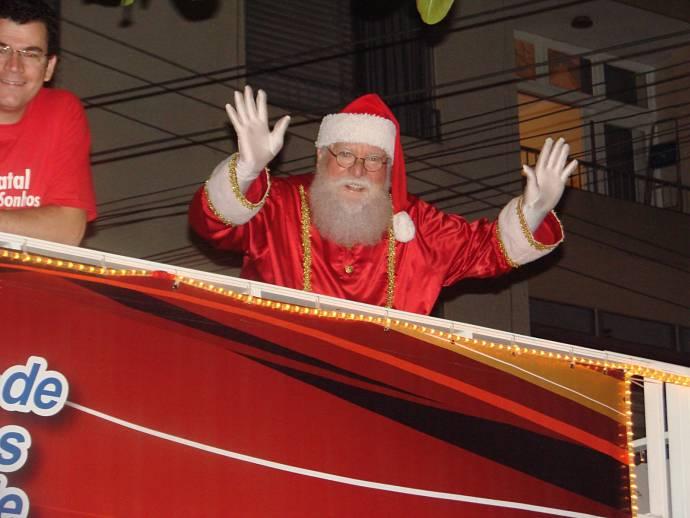 Chegada do Papai Noel em quatro bairros da capital