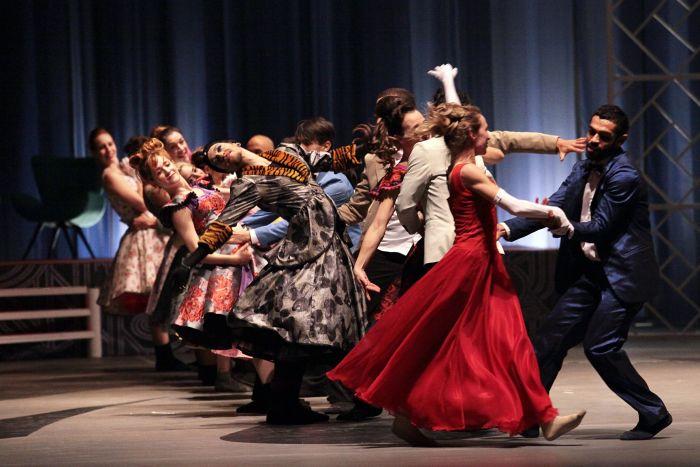 "Balé Teatro Guaíra apresenta ""Cinderela"""