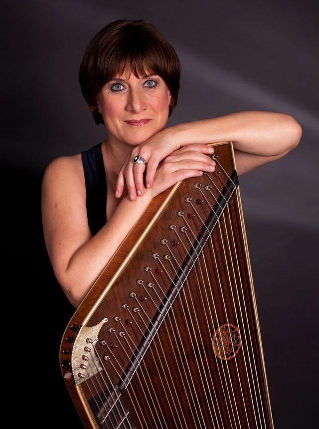 Concerto gratuito com citarista Gertrud Huber