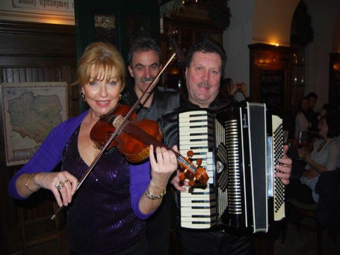 17ª Semana Cultural Polonesa, com show do grupo polonês Krak Trio