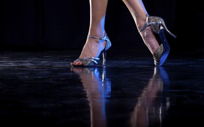 "Aula aberta gratuita de ""Stiletto Dance"" - Dança no Salto Alto"