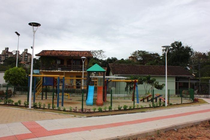 Prefeitura no Bairro com festa para crianças e ainauguração da praça João Paulo