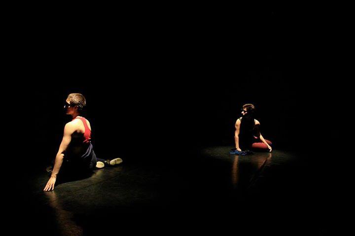 """Espetáculo de dança contemporânea """"Intimidade Dócil"""""""