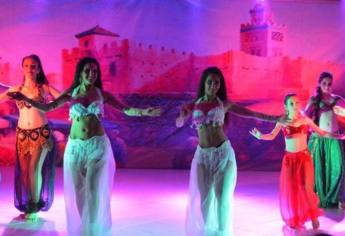 """Espetáculo da dança árabe """"Lâmpada Mágica"""" do Studio Mahari no TAC 7:30"""