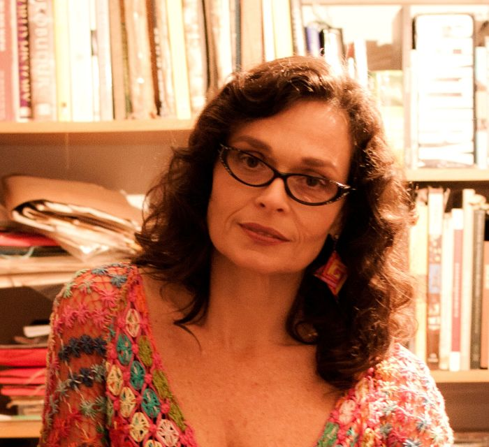 Palestra gratuita sobre economia criativa e colaborativa com Lala Deheinzelin