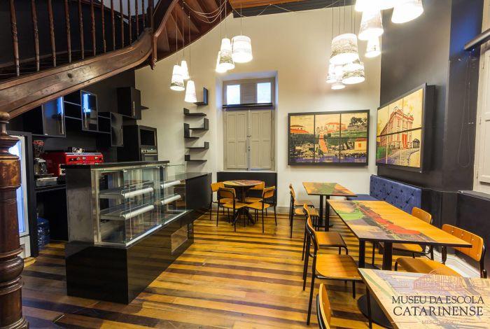 """Show gratuito """"O poema e a canção"""" no Café do Museu da Udesc"""