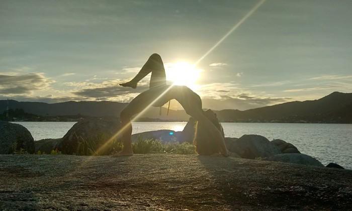 Aulão de Yoga e Meditação Mindfulness na praia da Joaquina