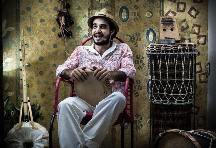 """6ª Aula Aberta: Oficina gratuita """"Orquestração Percussiva"""" com Gilú Amaral (Recife-PE)"""