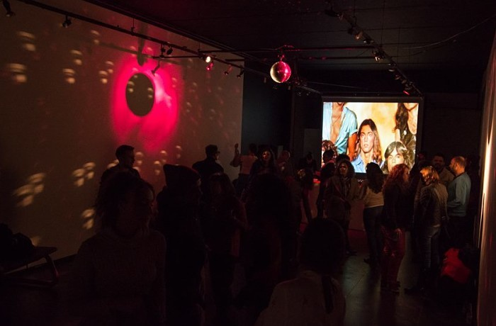 4º Discotecando com DJs Grazi Meyer e Gustavo Monteiro comemora aniversário do MIS