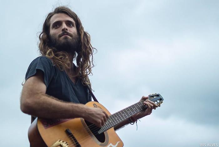 Teco Martins faz show na Praça XV de Novembro