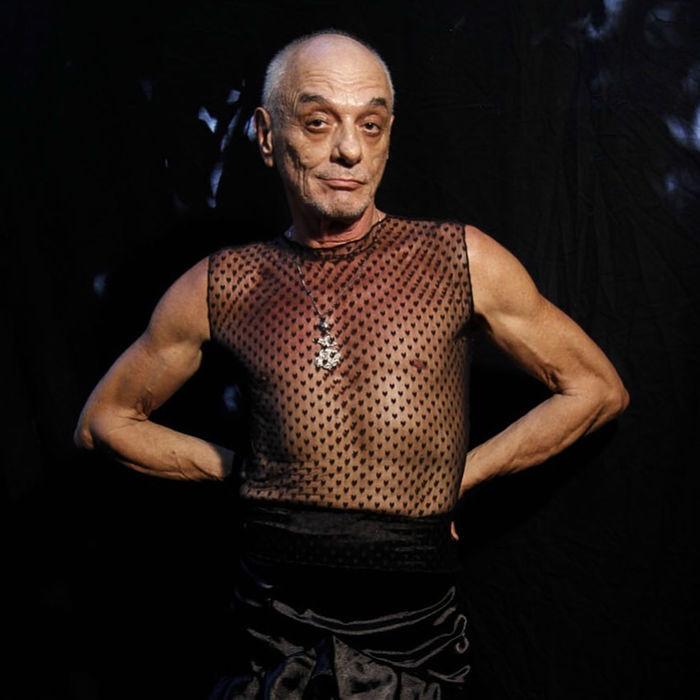 Encontro com o ator e bailarino Bayard Tonelli exibe trecho do documentário Dzi Croquettes