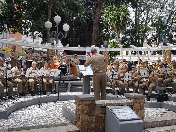 102ccede4e5 Praça XV recebe atrações musicais gratuitas todas as quintas-feiras ...
